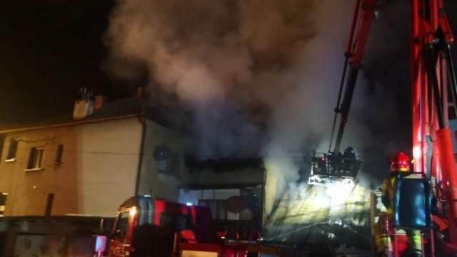 BIELANY. Ponad 40 strażaków walczyło tej nocy z ogniem