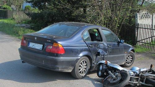 BOBREK. 19-letni motocyklista trafił do szpitala. Nie miał prawa jazdy - AKTUALIZACJA