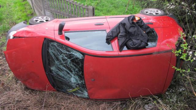 BOBREK. Pijany kierowca wypadł z mostu