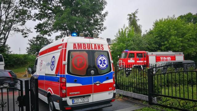 Bus najechał na samochód osobowy we Włosienicy – ZDJĘCIA!