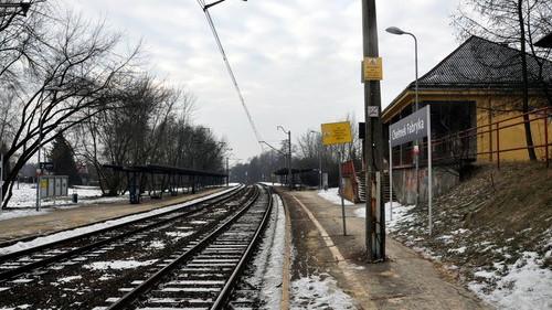 CHEŁMEK. Podróżowanie koleją ma być szybsze i bardziej komfortowe. Linię kolei z Oświęcimia do Trzebini czeka modernizacja - ZDJĘCIA