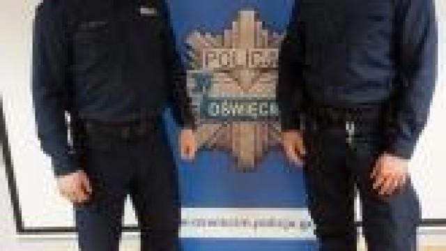 Chełmek. Policjanci  wynieśli mężczyznę z zadymionego mieszkania