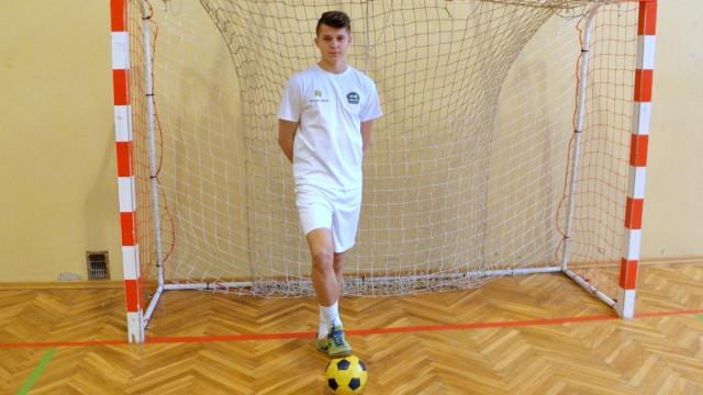 CHEŁMEK.  Powołany do Reprezentacji Polski w piłce nożnej