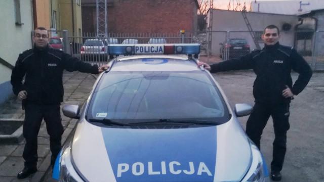 CHEŁMEK. Życie kierowcy uratowane przez policjantów i strażnika więziennego
