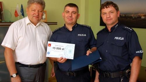 CHEŁMEK. Życzenia dla policjantów i 15 tysięcy złotych na modernizacje komisariatu