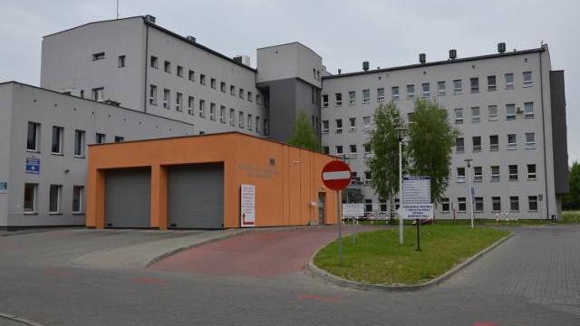 Chora z koronawirusem leży w szpitalu Oświęcimiu a powinna w specjalistycznym