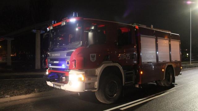 Ciało odnalezione w kontenerze socjalnym, grupowa ustawka oraz pożary od fajerwerków. Podsumowanie sylwestrowej nocy. FOTO!