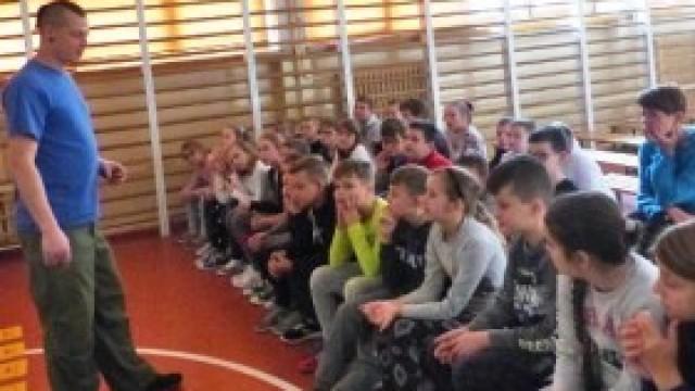 Czym oddychamy? - prelekcja dla uczniów kęckiej Trójki