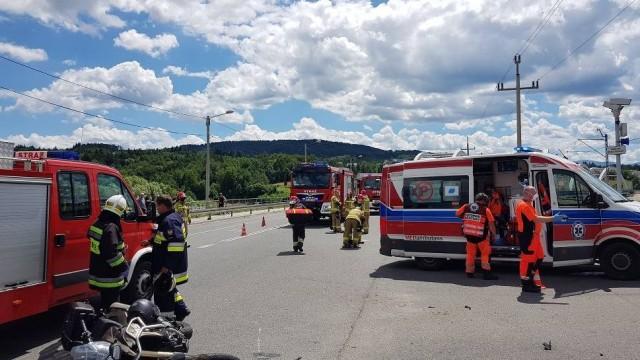 Dąbrówka. Zderzenie motocykla z traktorem. Jedna osoba ranna