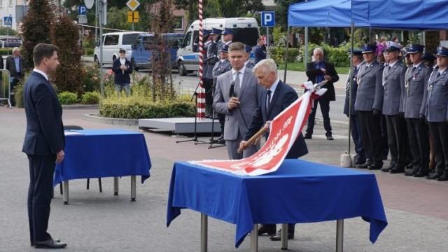 Dar samorządów Powiatu Oświęcimskiego dla Policji