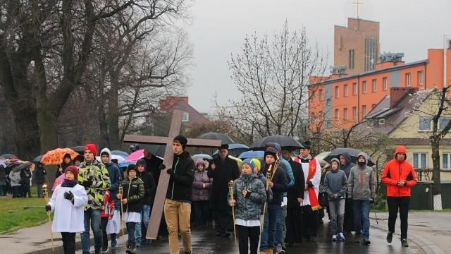 Droga Krzyżowa ulicami Jawiszowic i Brzeszcz - FOTO - InfoBrzeszcze.pl