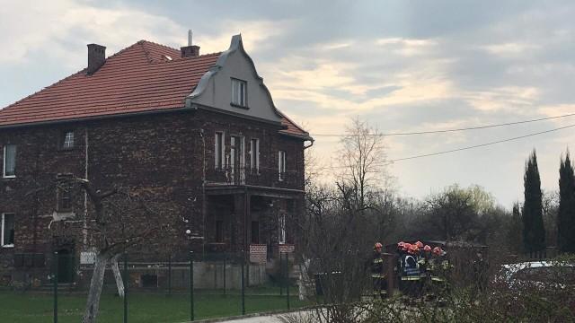 Dwa granaty odnaleziono w budynku mieszkalnym. Trwa ewakuacja mieszkańców – ZDJĘCIA!
