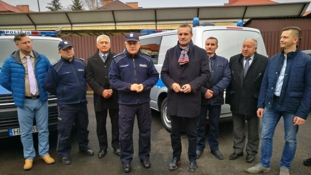 Dwa nowe radiowozy typu furgon trafiły do KPP Oświęcim. FOTO!