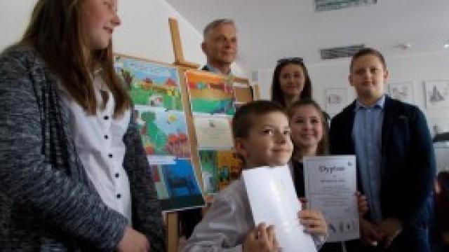 Gala konkursu plastycznego KRUS w Starostwie Powiatowym w Oświęcimiu