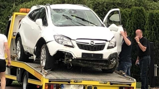 GŁĘBOWICE. Stracił panowanie nad pojazdem i dachował. 59-letni mężczyzna trafił do szpitala
