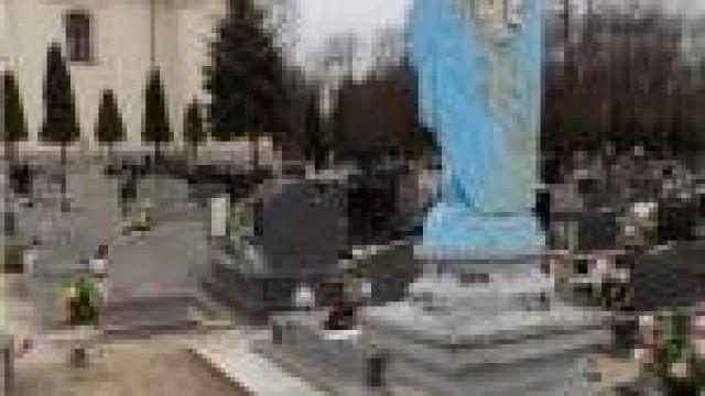 Gmina Chełmek. Trzy zarzuty dla chuligana, za akty wandalizmu na cmentarzu