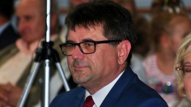 GMINA OŚWIĘCIM. Albert Bartosz nie pogratulował nowemu wójtowi. Za to pochwalił się nową pracą
