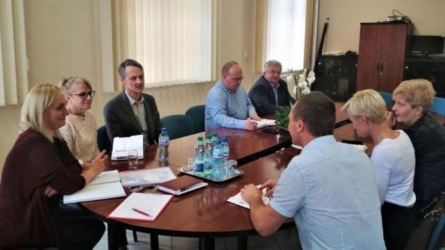 Gminny Zespół Zarządzania Kryzysowego podsumował akcje usuwania szkód po wichurach - InfoBrzeszcze.pl