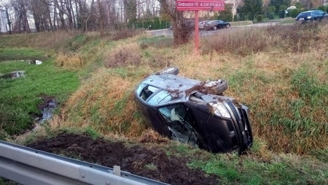 GRABOSZYCE. Sprawca kolizji zasnął za kierownicą
