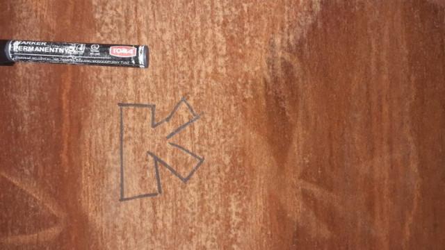 Graffiti na elewacji SOSW. Młodociani sprawcy złapani na gorącym uczynku
