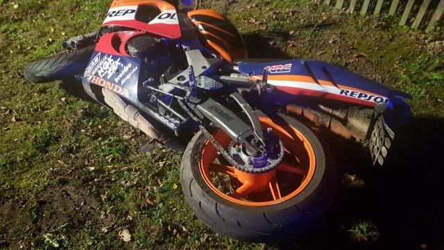 GROJEC. 32-letni motocyklista trafił do szpitala