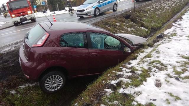 Groźne zdarzenie drogowe przy brzeszczańskim cmentarzu - InfoBrzeszcze.pl