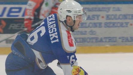 HOKEJ NA LODZIE. Grzegorz Piekarski zakończył karierę