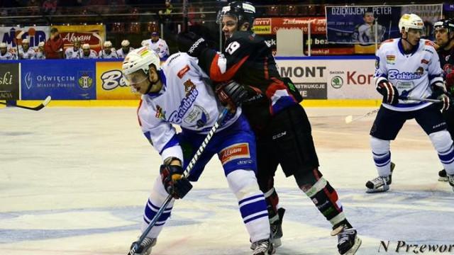 Hokej okiem kobiety - dobra gra Unii i łut szczęścia drużyny z Sanoka