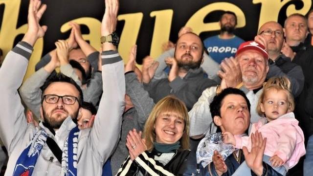 Hokej. Re-Plast Unia Oświęcim – Zagłębie. KIBICE na meczu