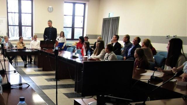I Sesja Młodzieżowego Parlamentu Gminy Brzeszcze w roku szkolnym 2019/2020 - InfoBrzeszcze.pl
