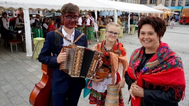 Impreza z przytupem. Tradycja i folklor zawładnęły oświęcimskim Rynkiem