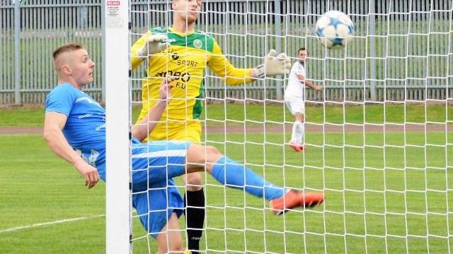 IV liga piłkarska. Unia Oświęcim na Hutniku Kraków potrzebuje cierpliwości i skuteczności