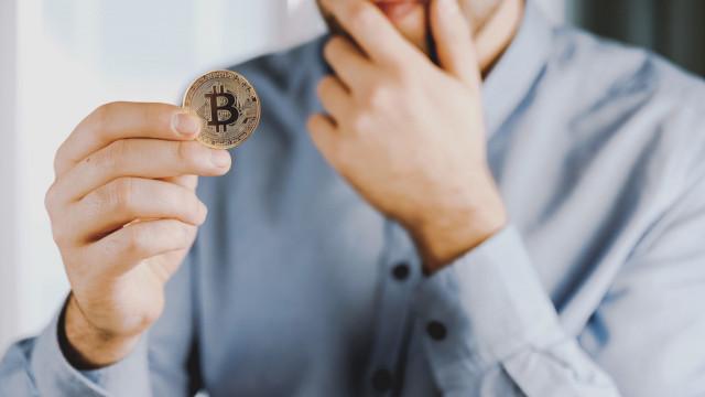 Jak płacić Bitcoinem w Polsce, na Świecie i w Internecie?