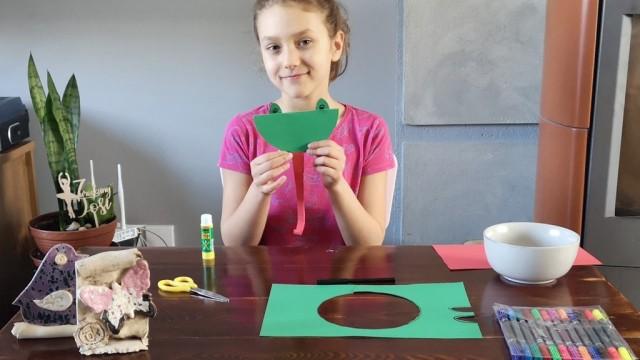 Jak zrobić żabkę z papieru? – FILM