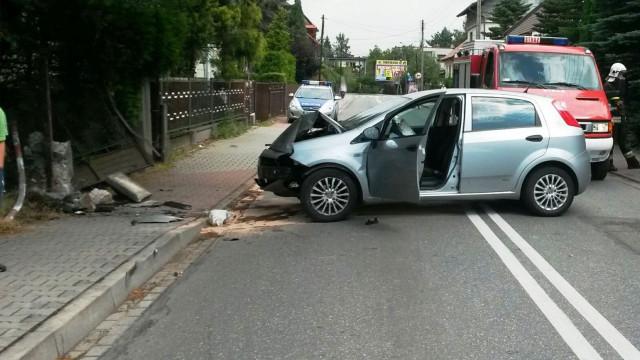 Jedna osoba ranna w zdarzeniu drogowym w Kętach. ZDJĘCIA !