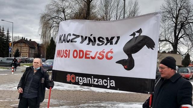 Kaczyński musi odejść, czyli dwuosobowa manifestacja – FOTO