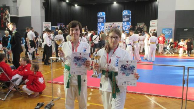 KARATE. Debiuty i medale najmłodszych karateków z Brzeszcz