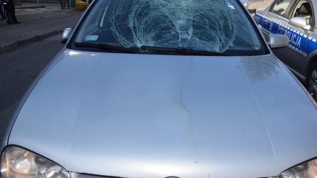 KĘTY. Kobieta potrąciła autem dwie osoby na pasach