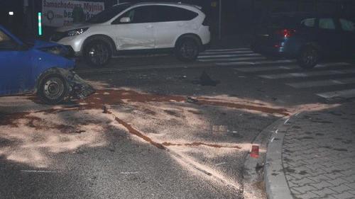 KĘTY. Nie ustąpił pierwszeństwa, zderzyły się trzy auta