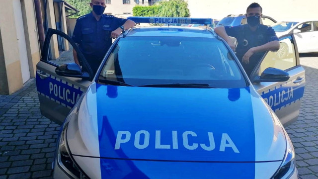 KĘTY. Policjanci uratowali życie seniorce