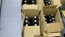 Kęty. Przemytnicy nielegalnego alkoholu i ich odbiorcy wpadli na gorącym uczynku