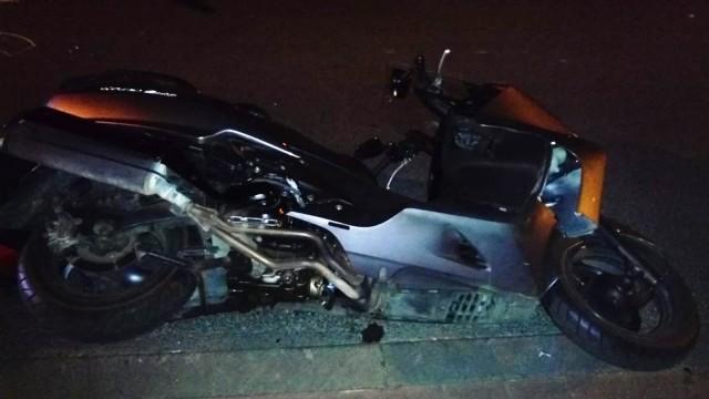 KĘTY. Zderzenie osobówki z motocyklem. 48-letni mężczyzna trafił do szpitala