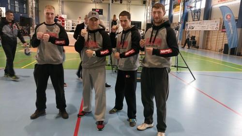 KICK-BOXING. Oświęcimskie kick-boxerki na najwyższym stopniu podium