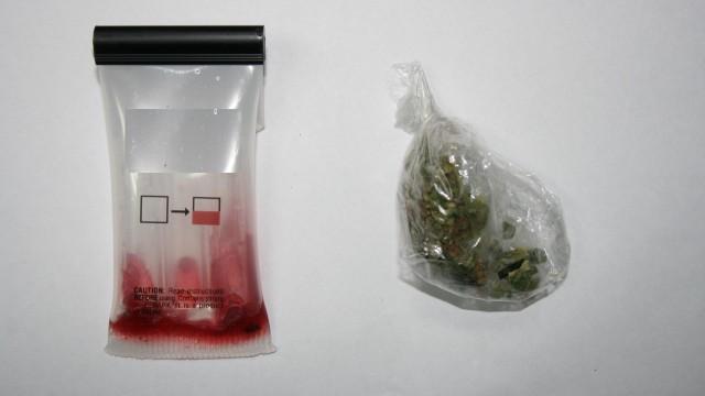 Kierowca dostawczaka posiadał narkotyki i kierował pod ich wpływem