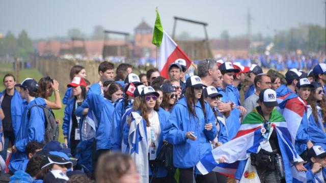 Kilka tysięcy młodych Żydów przeszło w Marszu Żywych
