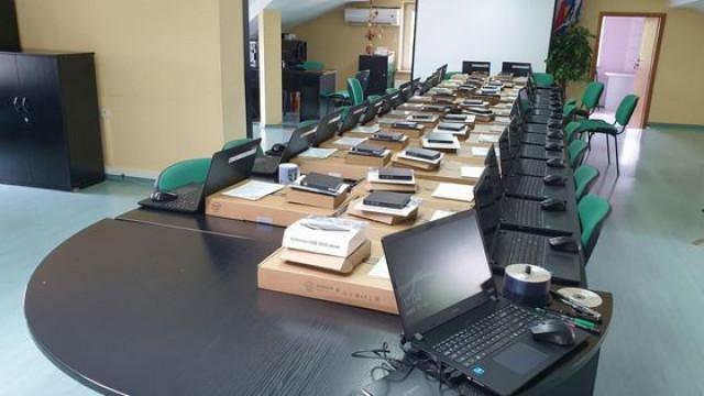 Kolejne laptopy dla uczniów