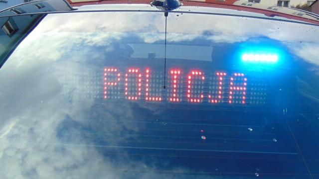 Kolejne prawa jazdy zatrzymane za nadmierną prędkość. Policjanci apelują do kierowców o rozwagę na drodze.