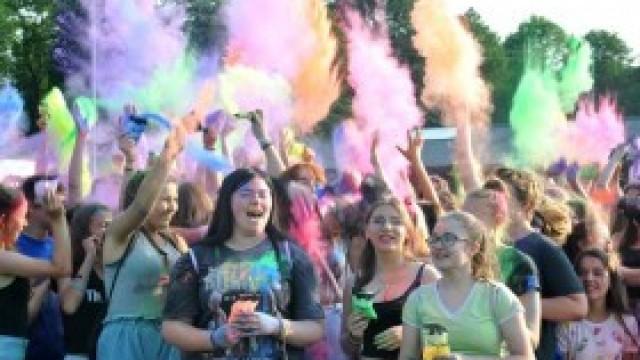 Kolorowo i tanecznie w pierwszy dzień Święta Miasta!