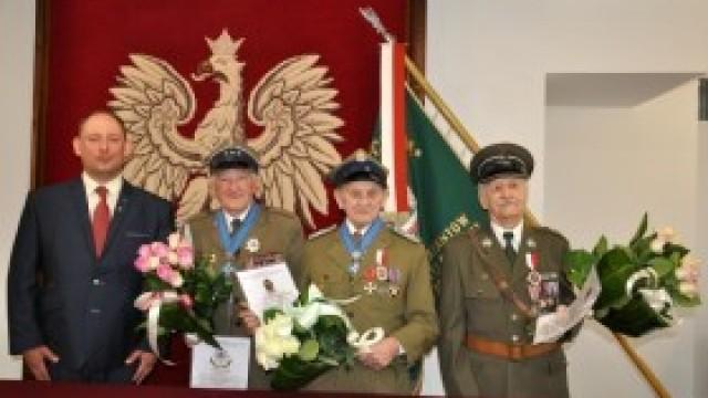 Kombatanci weterani z gminy Kęty uhonorowani jubileuszowymi odznaczeniami