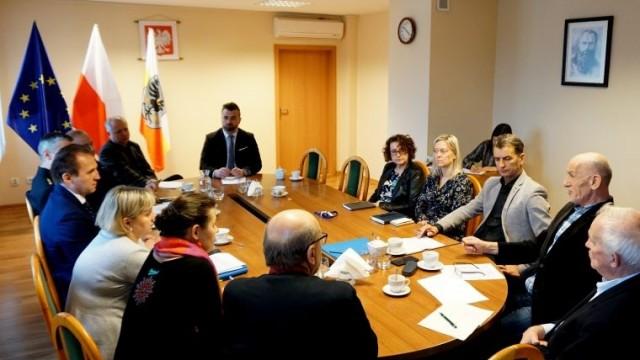 Komisja Bezpieczeństwa i Porządku o wyzwaniach i zagrożeniach